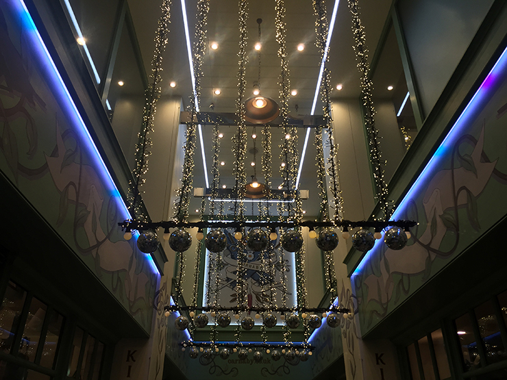 This is the glorious entrance into Kingly Court – how could you possibly pass through here and not feel the spirit of Christmas?